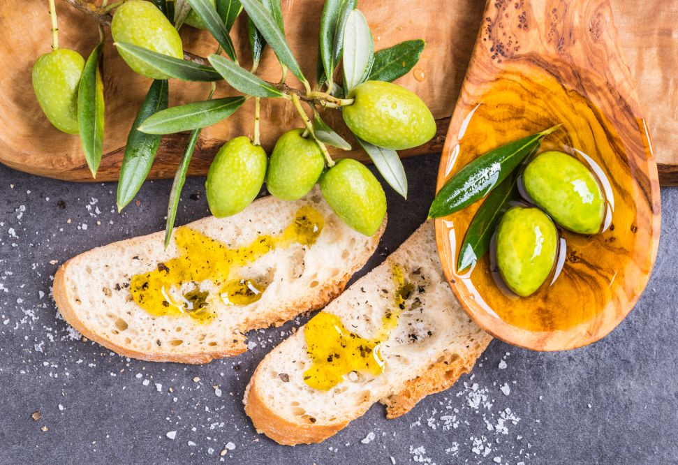 Slices of bread with olive oil | Tuscan wanders travel blog