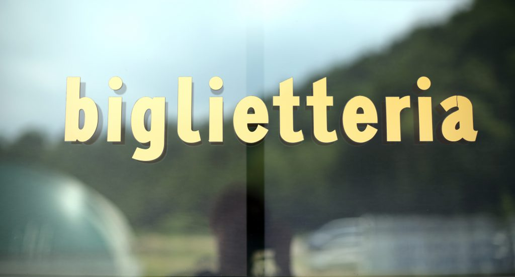 Biglietteria - Ticket book sign | Hot to get from Florence airport to city center | Tuscan Wanders travel blog