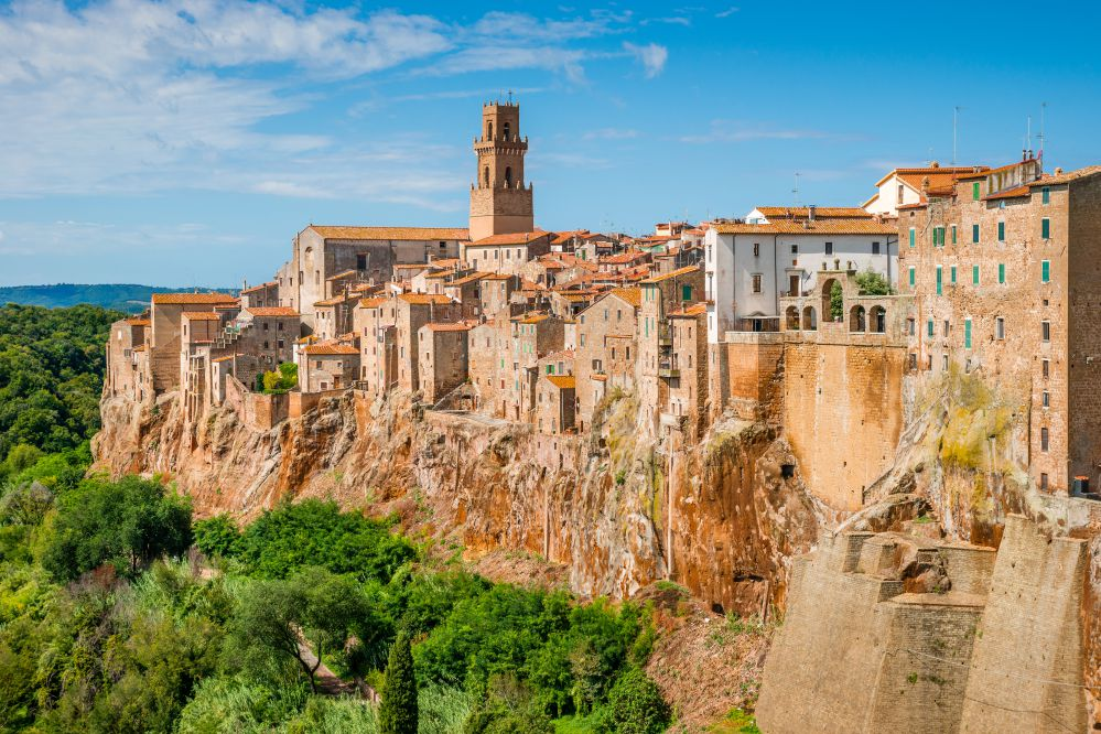 A view of the small village of Pitigliano | Best towns to visit in Tuscany | Tuscan Wanders Travel Blog