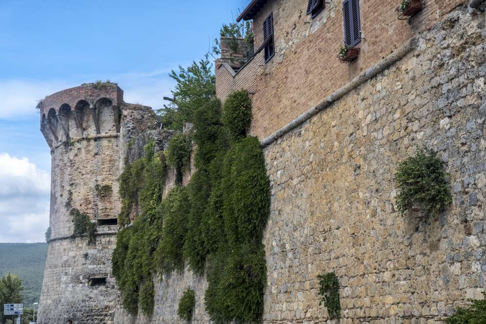 San Gimignano city walls | Things to do in San Gimignano