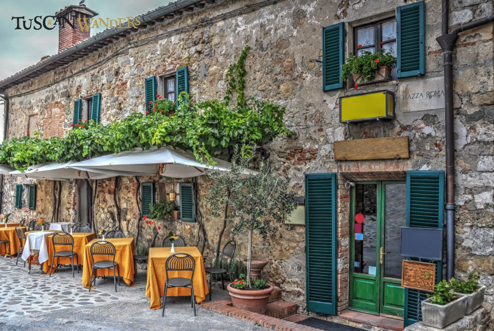 The terrace of a restaurant in Monteriggionii